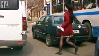 getlinkyoutube.com-Woman Car Crashes Compilation, Women Driving Fail and accidents # 3