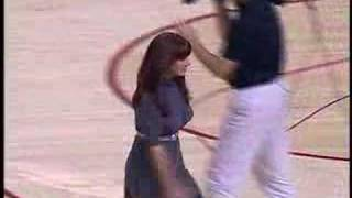 getlinkyoutube.com-Marriage Proposal Rejected at BasketBall Game