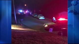 Dos adolescentes murieron en un tiroteo triple en Kansas City, Kansas.