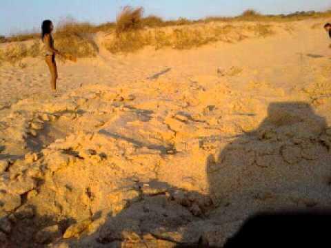 Frescobol na praia de nudismo, Costa da Caparica