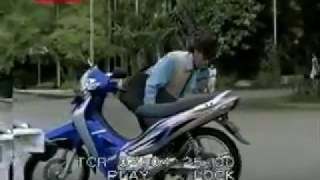 Iklan Motor Honda Karisma X 125D versi Sales, Cewek, dan Anak SMA (2003)