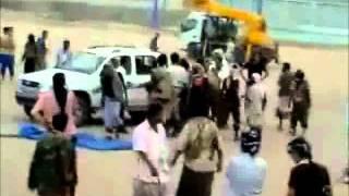 getlinkyoutube.com-Public Execution of Anti-Saleh Fighter- Yemen