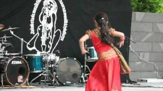 getlinkyoutube.com-Rose, a Bangladeshi girl dancing