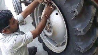 getlinkyoutube.com-Tractor Tyre Changing Video - Do-It-Yourself
