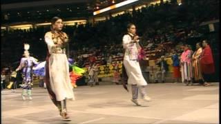 getlinkyoutube.com-Sibiling Special - 2015 Gathering of Nations Pow Wow - PowWows.com