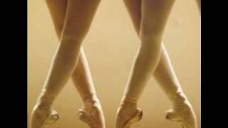getlinkyoutube.com-Bailarina de cajita de música...