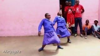 getlinkyoutube.com-School girls dance to Majic Mike's Ayaya