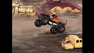 getlinkyoutube.com-My Top Ten Favorite Monster Jam Saves