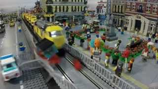 getlinkyoutube.com-LEGO Train Crashes in Slow Motion