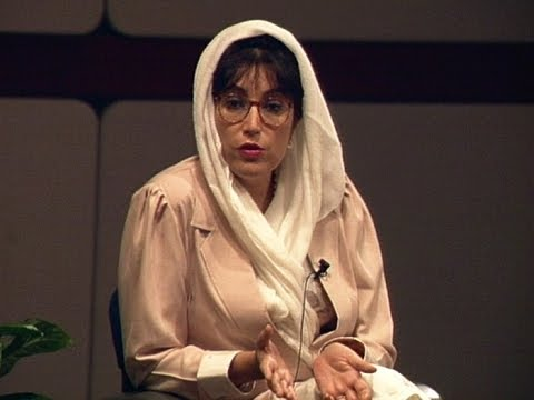 May 1997 - Pakistan's Benazir Bhutto Holds Student Forum at DePauw University