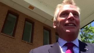 getlinkyoutube.com-Va governor Terry McAuliffe takes questions on investigation of campaign.