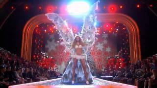 getlinkyoutube.com-Новогодний показ 2008 от Victoria Secret