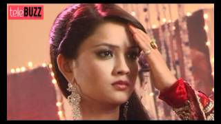 Amrit SEDUCES Adhiraj in the BEDROOM in Amrit Manthan 17th March 2012