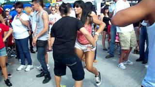 getlinkyoutube.com-Dia Nacional de la Salsa 2011, Bailando Salsa.