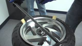 getlinkyoutube.com-No-Mar Tire Changer - How to change tire on Honda Goldwing