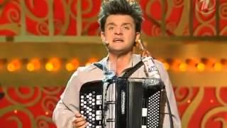 getlinkyoutube.com-Russian way of playing accordion