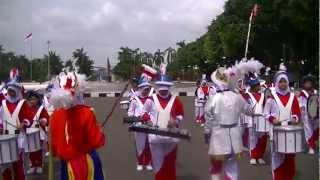 getlinkyoutube.com-Abg tua Drumband pp Nurul Mushtofa Ciracas in TMII
