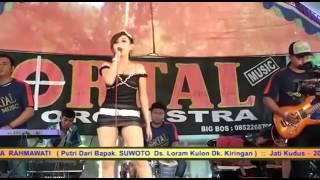 getlinkyoutube.com-Kelowas~Dangdut Hot Rita Maharani Kudus