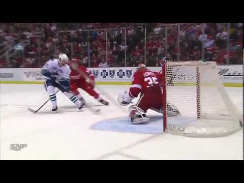 Daniel Sedin 2-2 goal vs Red Wings (Feb. 24, 2013)