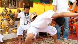 getlinkyoutube.com-พิธีครอบครู อ.ทวีปเสือกลับ ปี ๒๕๕๕