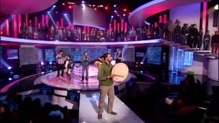 فيديو : باسم يوسف مع  فرقة مشروع كورال