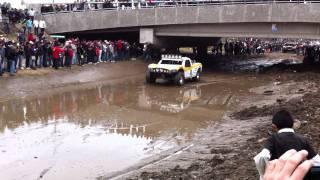 getlinkyoutube.com-baja 1000 trophy trucks being escorted to restart