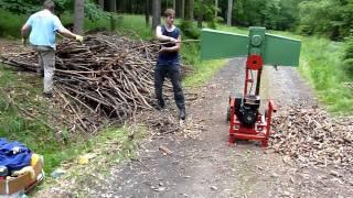 getlinkyoutube.com-Benzínový drtič větví