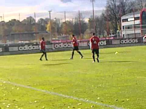 FC BAYERN TRAINING am 30.10.2010