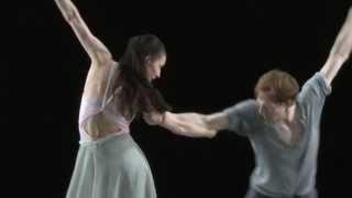 マーラ ガレアッツィ、エドワード ワトソン「うたかたの恋」のレッスン風景の画像