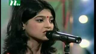 getlinkyoutube.com-Bania Bondhu - Salma, Closeup1 2006