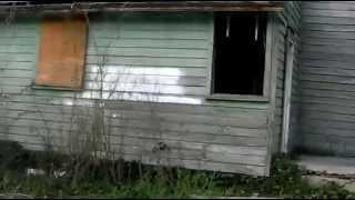 getlinkyoutube.com-Abandoned House full of stuff and very creepy