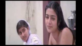 getlinkyoutube.com-aishwarya-tabu-bathing