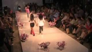 getlinkyoutube.com-Pasarela TOMATICOS - Ibagué Maquila y Moda 2011 - Parte 1