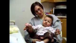 getlinkyoutube.com-Baby footing around