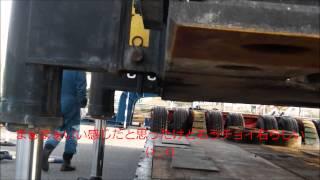 getlinkyoutube.com-80tクローラーを低床トレーラーに積み込む