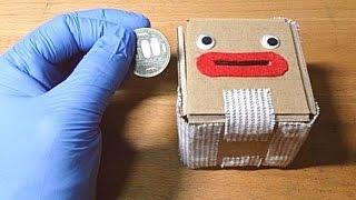 お金を入れてはいけない貯金箱  [a coin box into which you must not put any coins]