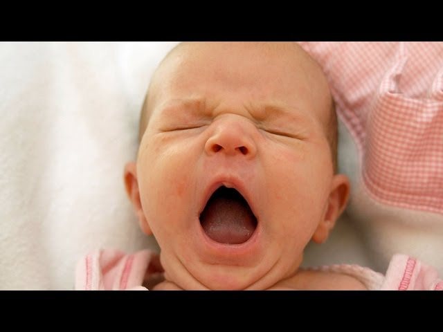 How to Keep a Tired Baby Awake for Breastfeeding