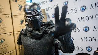 getlinkyoutube.com-Adam Savage as Kylo Ren Incognito at Comic-Con 2016!