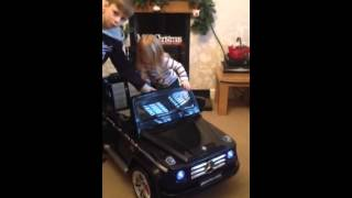 getlinkyoutube.com-Mercedes-Benz G55 AMG 12v Kids Ride On Car