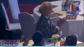 getlinkyoutube.com-[HD fancam] 130131 seoul music awards - SHINee & jimmy jib ^_T table 1