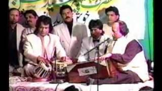 getlinkyoutube.com-Ustad Nusrat Fateh Ali Khan & Ustad Tari Khan on Tabla -1