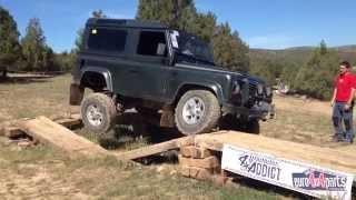 getlinkyoutube.com-Land Rover defender 90 td5 vs defender 300 tdi vs discovery