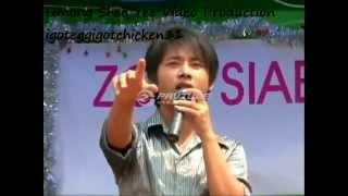 Es Lauj-Pheej Hmoo Hlub