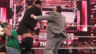 getlinkyoutube.com-Big Show knocks out Mr. McMahon: Raw, June 11, 2012