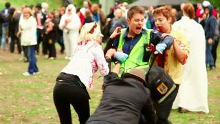 getlinkyoutube.com-Zombies Attack a Paramedic In Real Life!