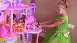 getlinkyoutube.com-Baby Gizmo Disney Princess Ultimate Dream Castle Review