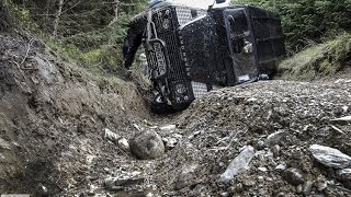 Land Rover Defender Accident while laning  - Detailed crash and recovery