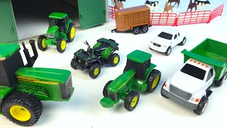 getlinkyoutube.com-JOHN DEERE FARM TOY PLAYSET UNBOXING HORSES COWS VEHICLES ARTICULATED TRACTOR FORKLIFT