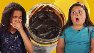 getlinkyoutube.com-American Kids Taste Test Australian School Snacks
