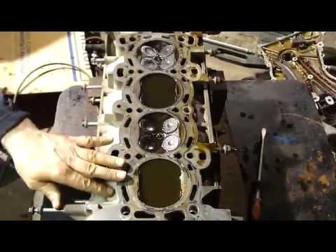 Как проверить клапана на герметичность ГБЦ. Leak test valves VAZ, Toyota, Ford, GAZ.